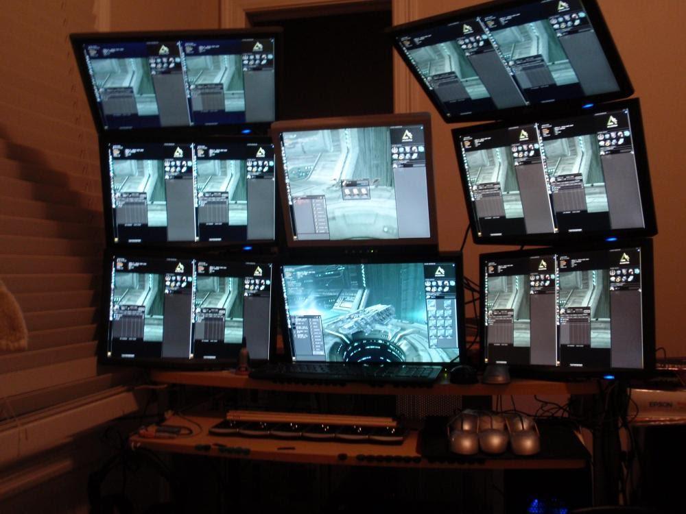 Игрок запустил 14 клиентов EVE одновременно